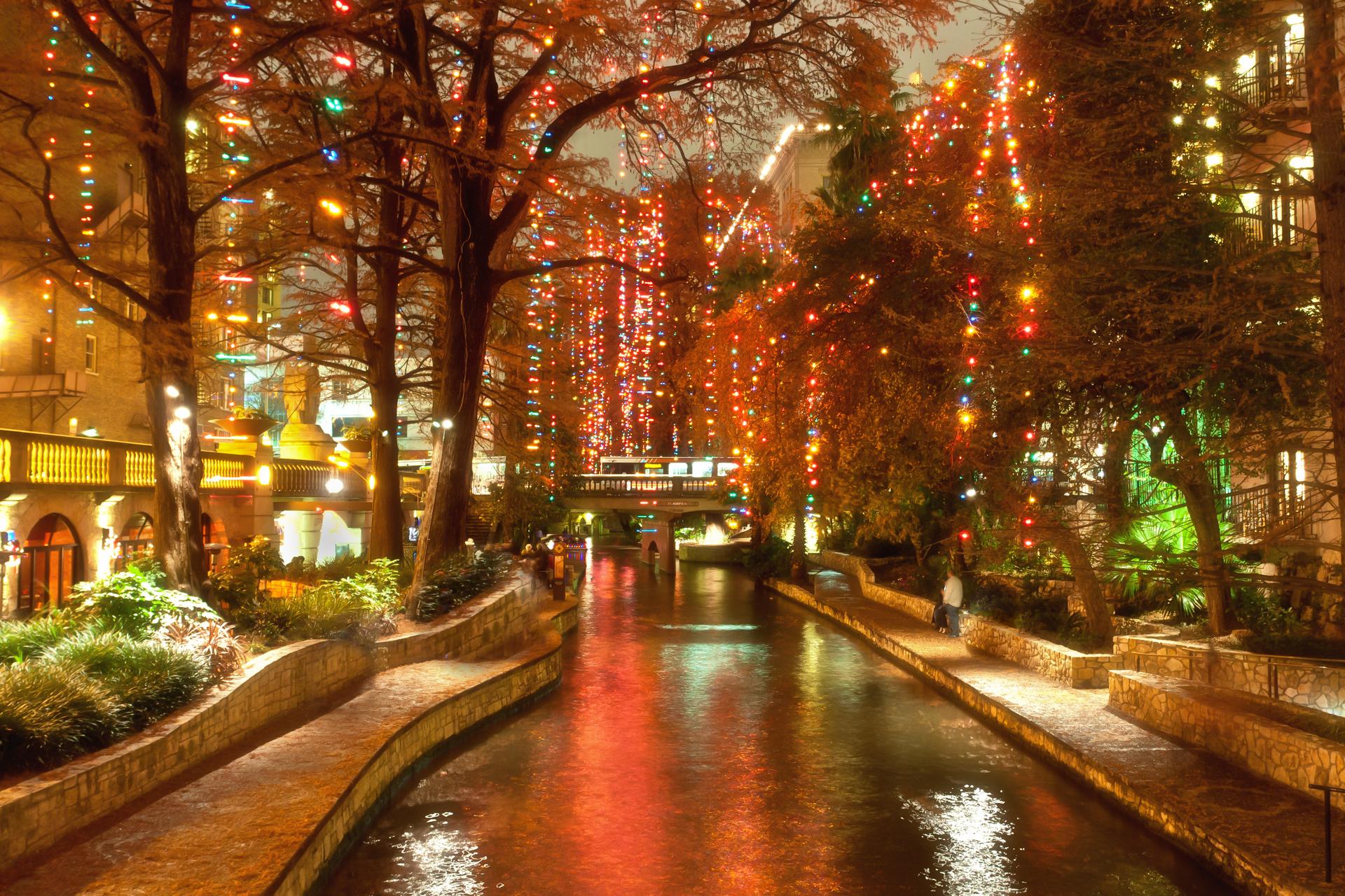 San Antonio Holiday Events 2016